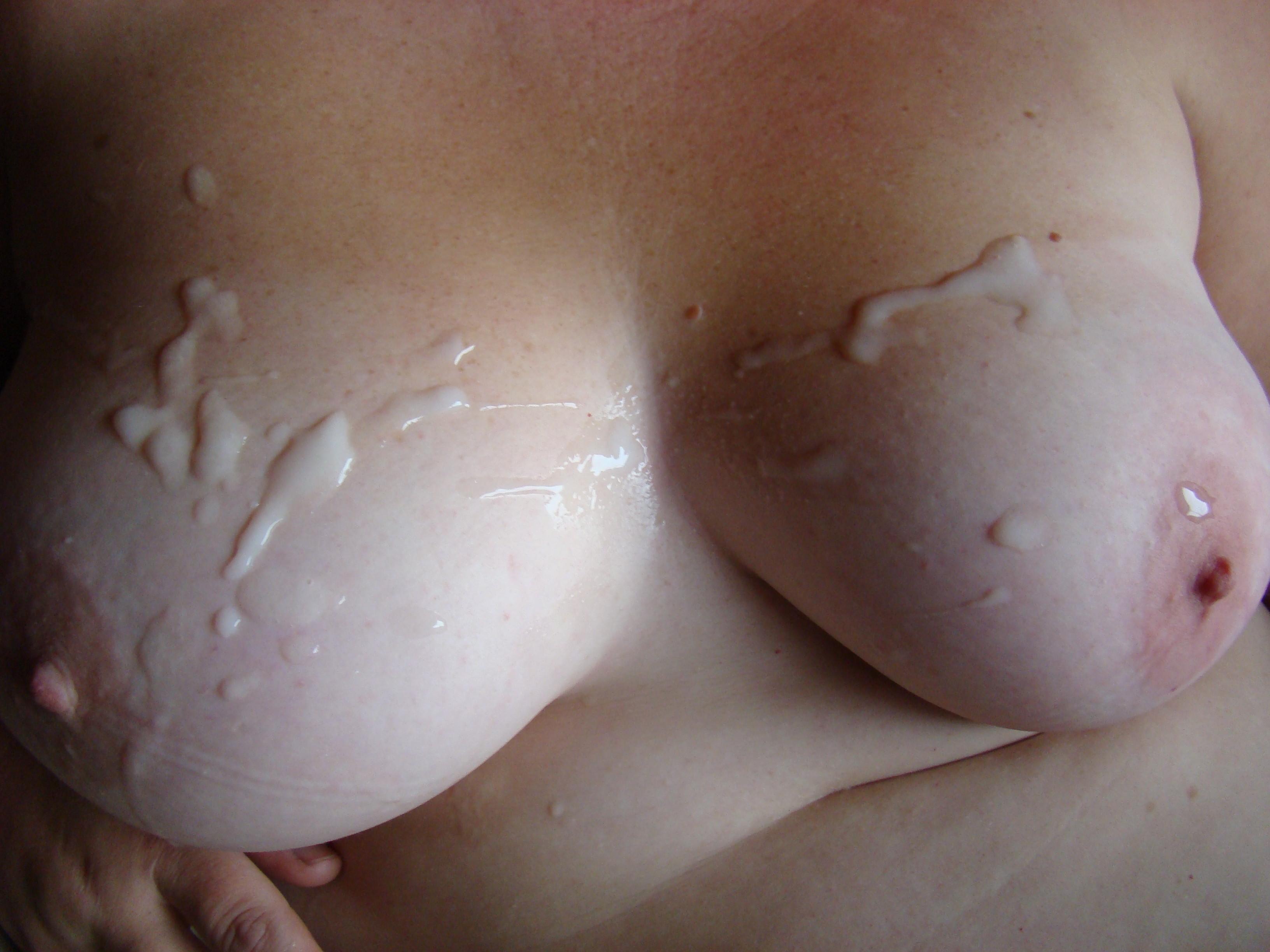Фото сперма на грудях смотре