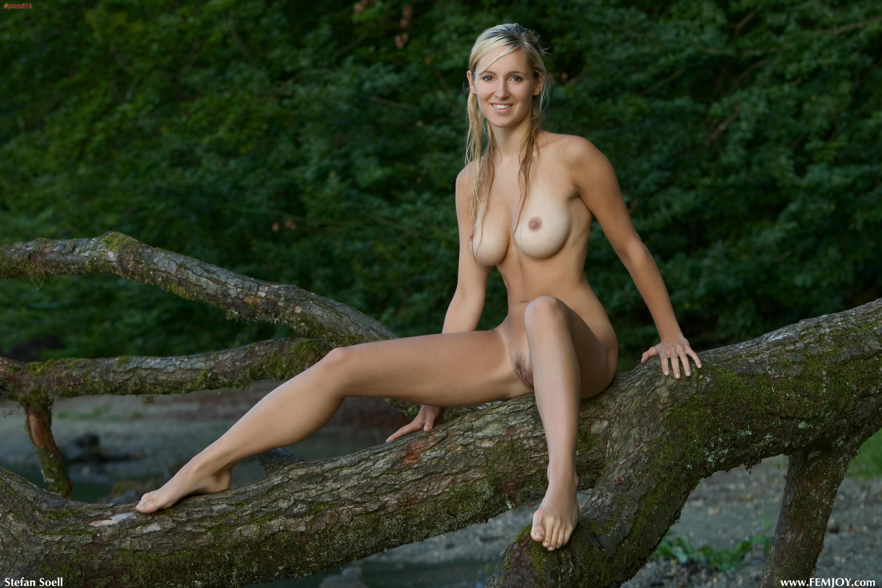 nudists pussy girls outdoor