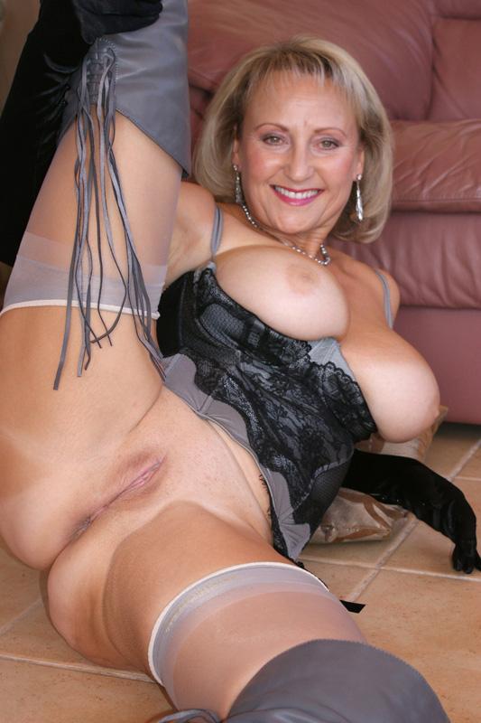Woman nude tAMIL PHOTOS