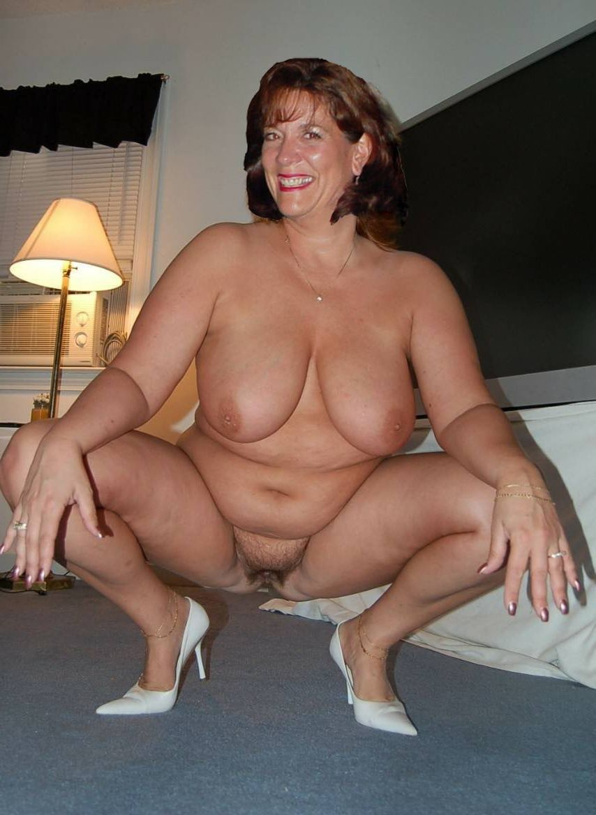 Nude black amateur mom