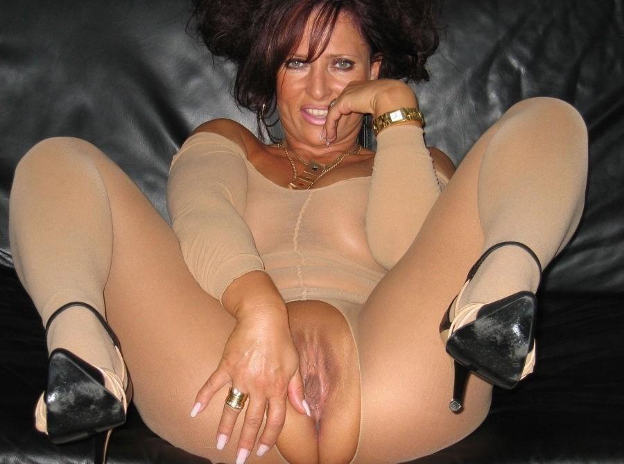 Pov down her panties