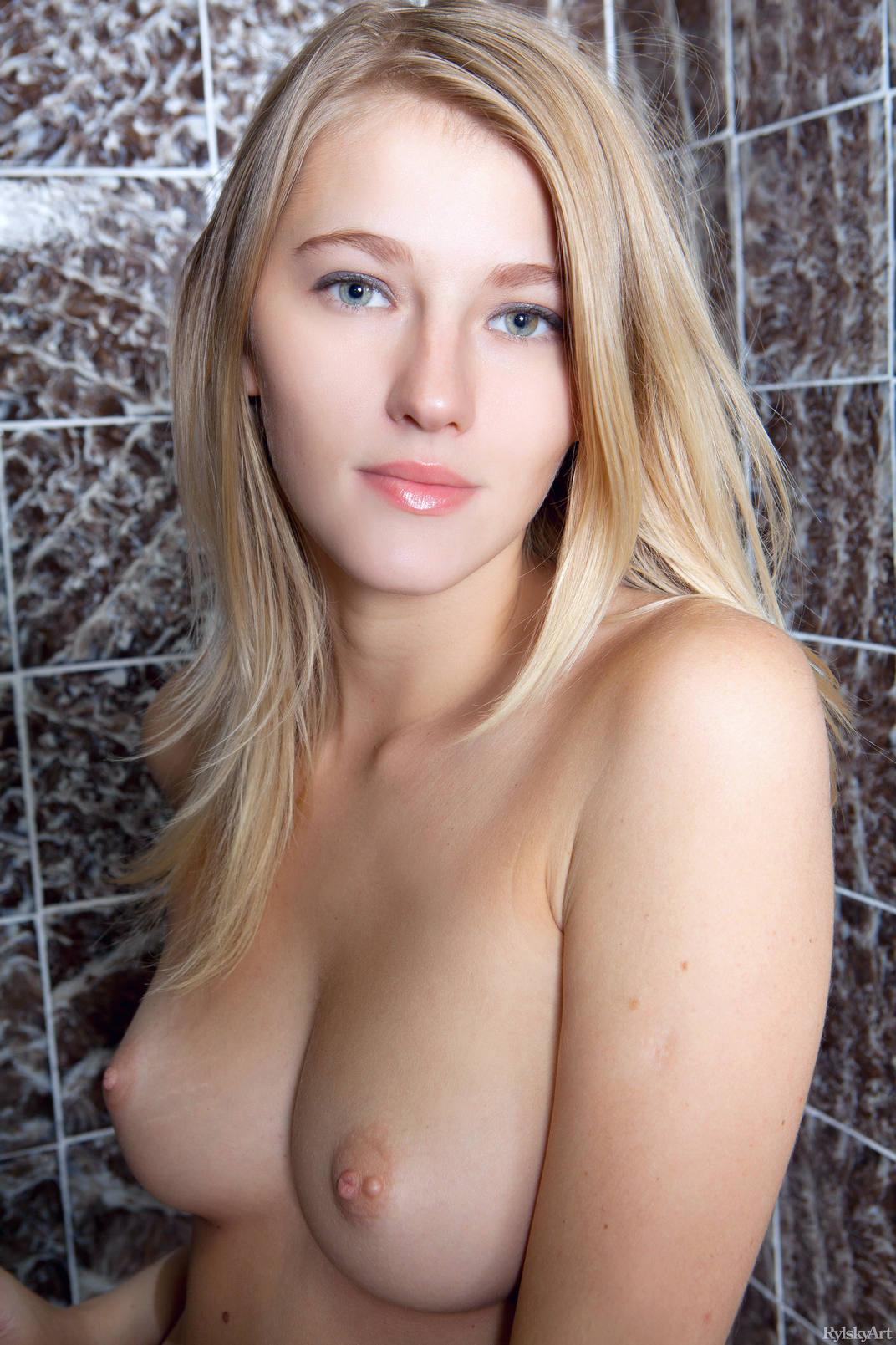 Teenage girl nude