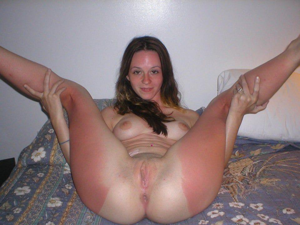 cute busty hot nude girls