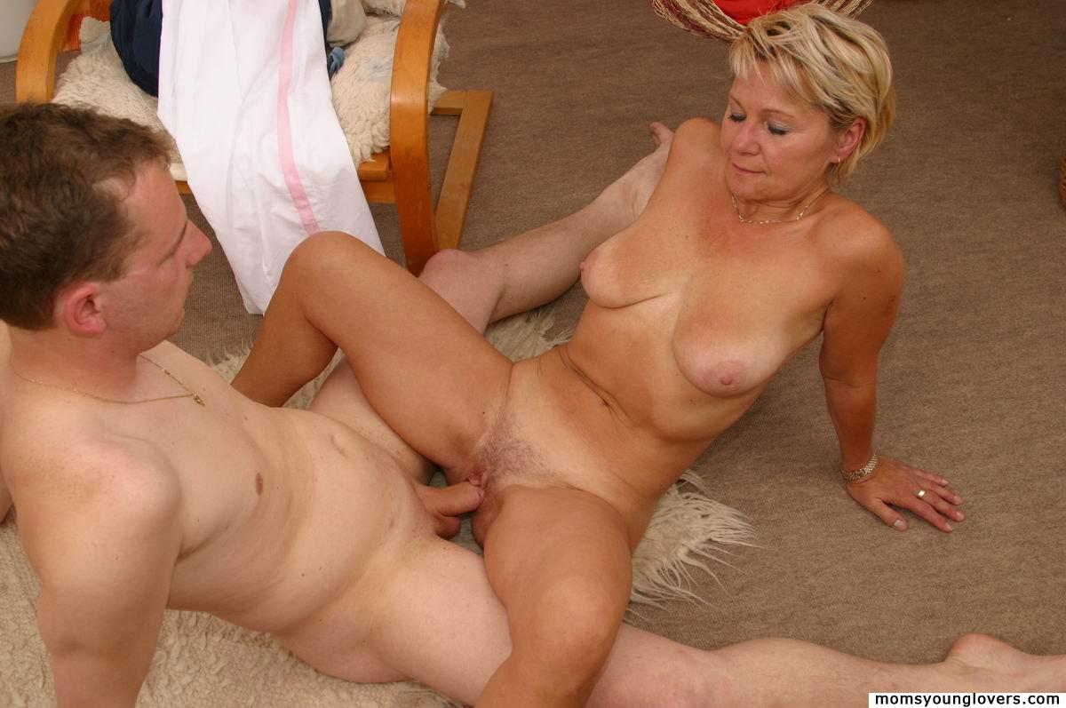 mom and boy incest