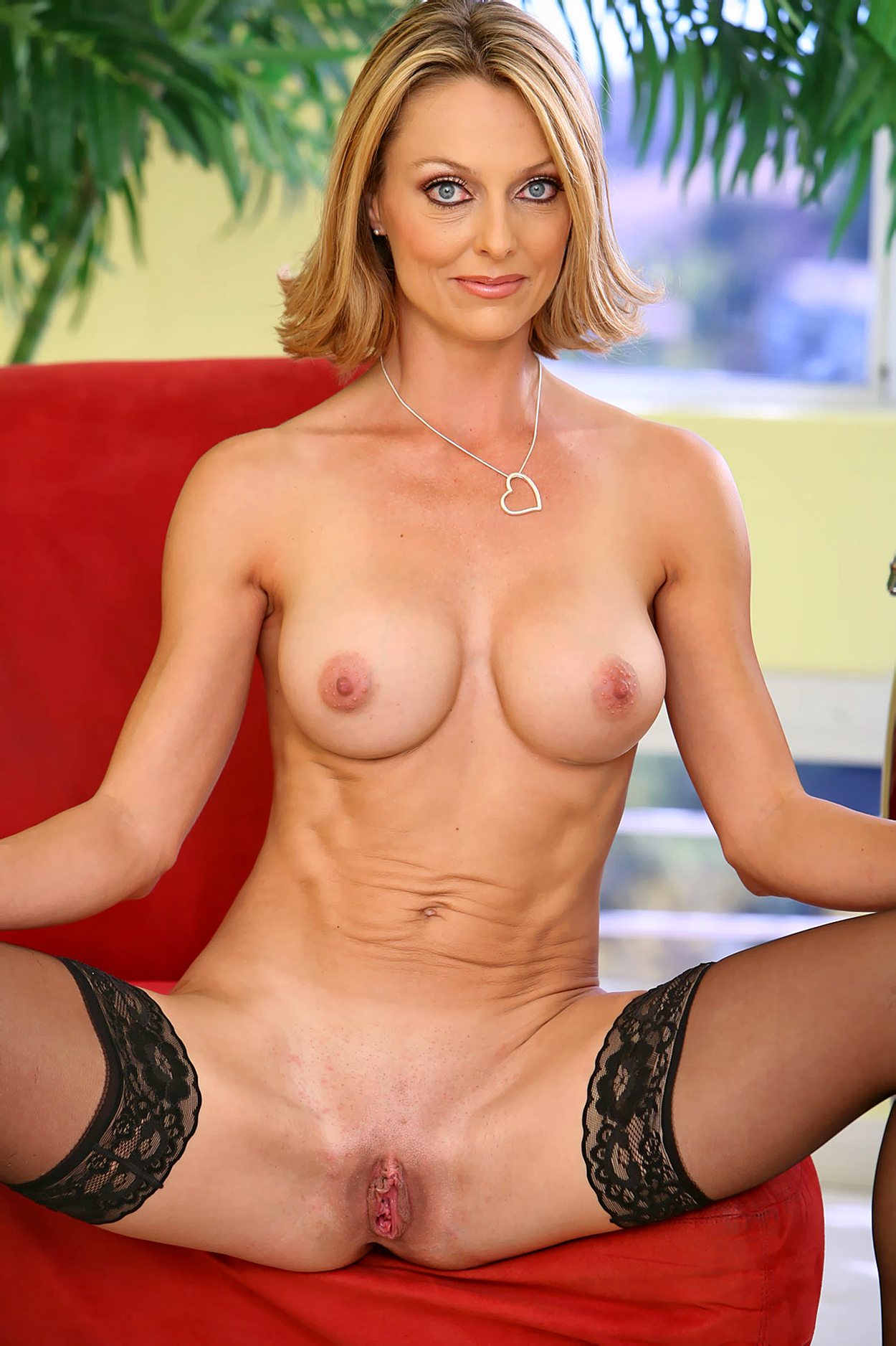 Matchless Nude milf hd pics apologise