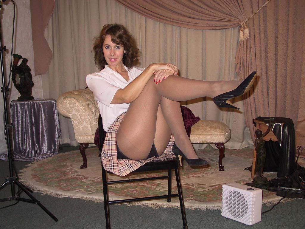 ladies matures and pantyhose - sex photo