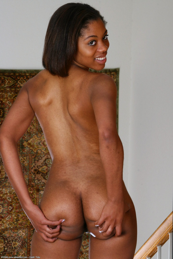 Nude black male dancres