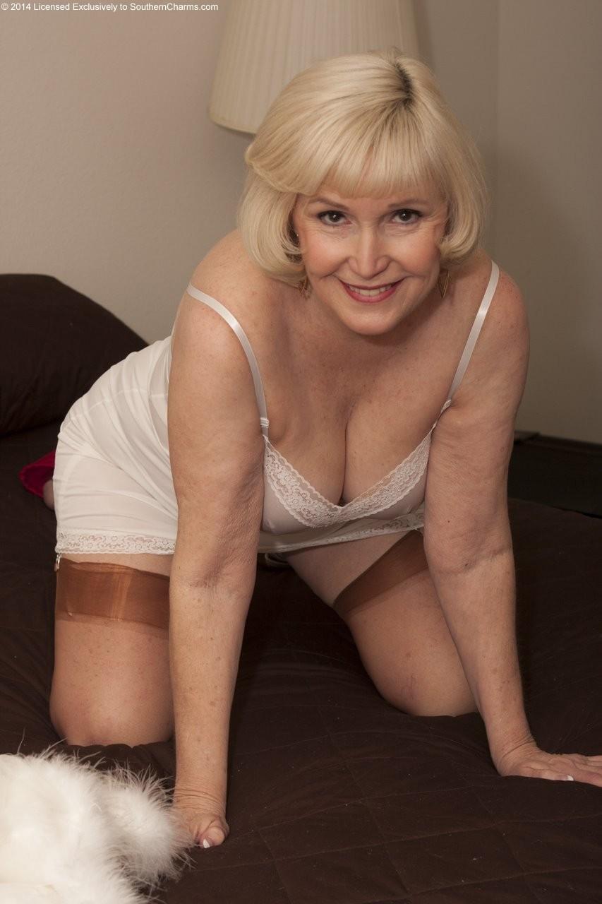 Hot amateur mature cougar bangs bbc 4