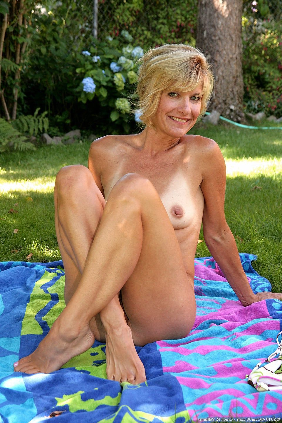 Mature women nude outside