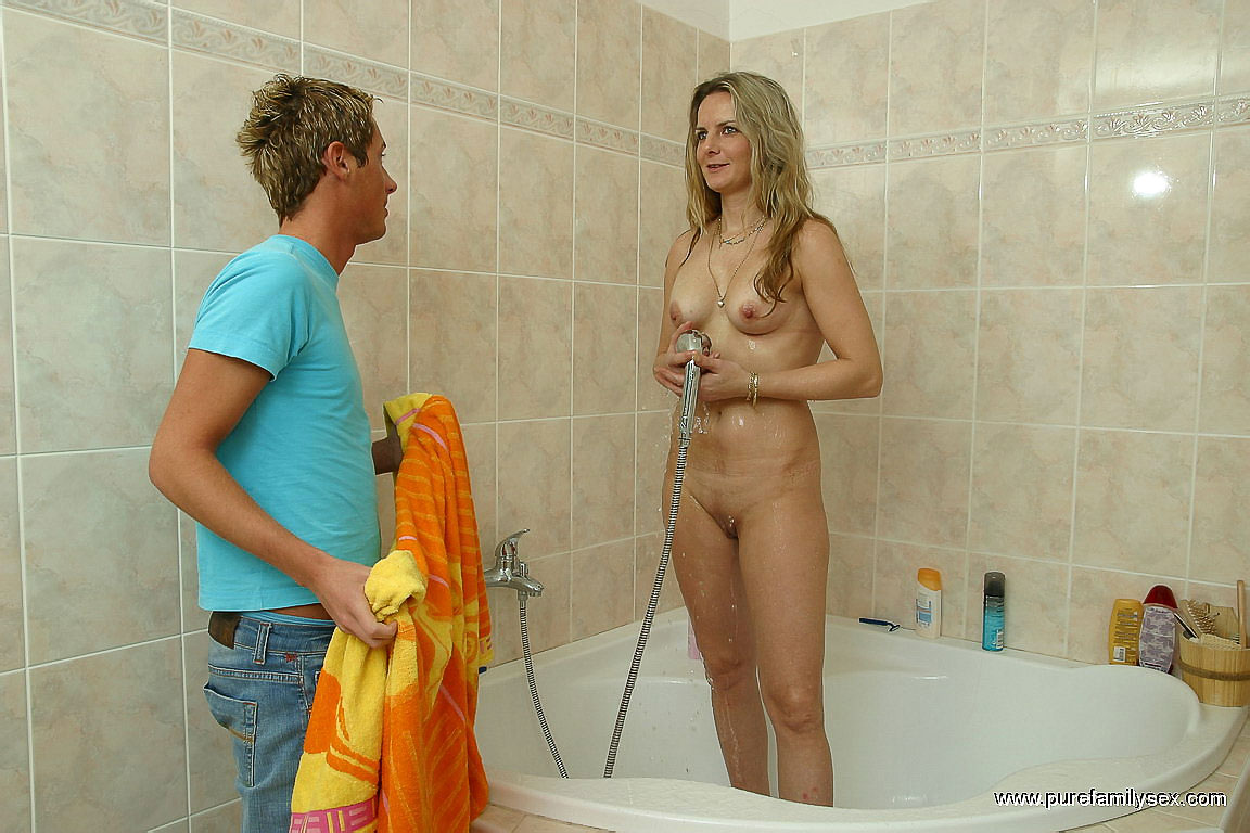 hot mom sex boy in the bathrom