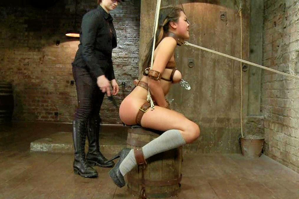 Bondage girl sex game
