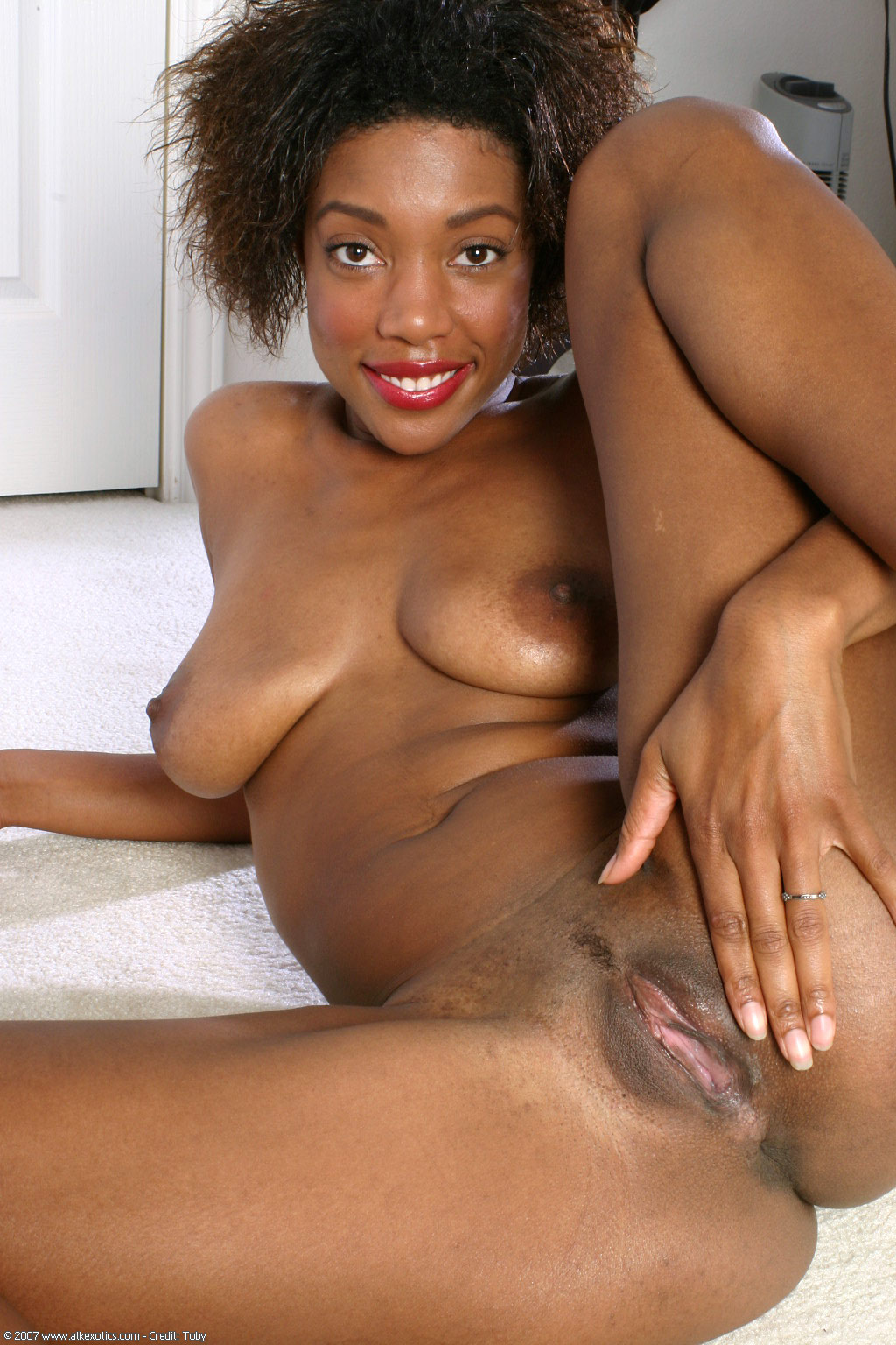 Sexy wife dates black men