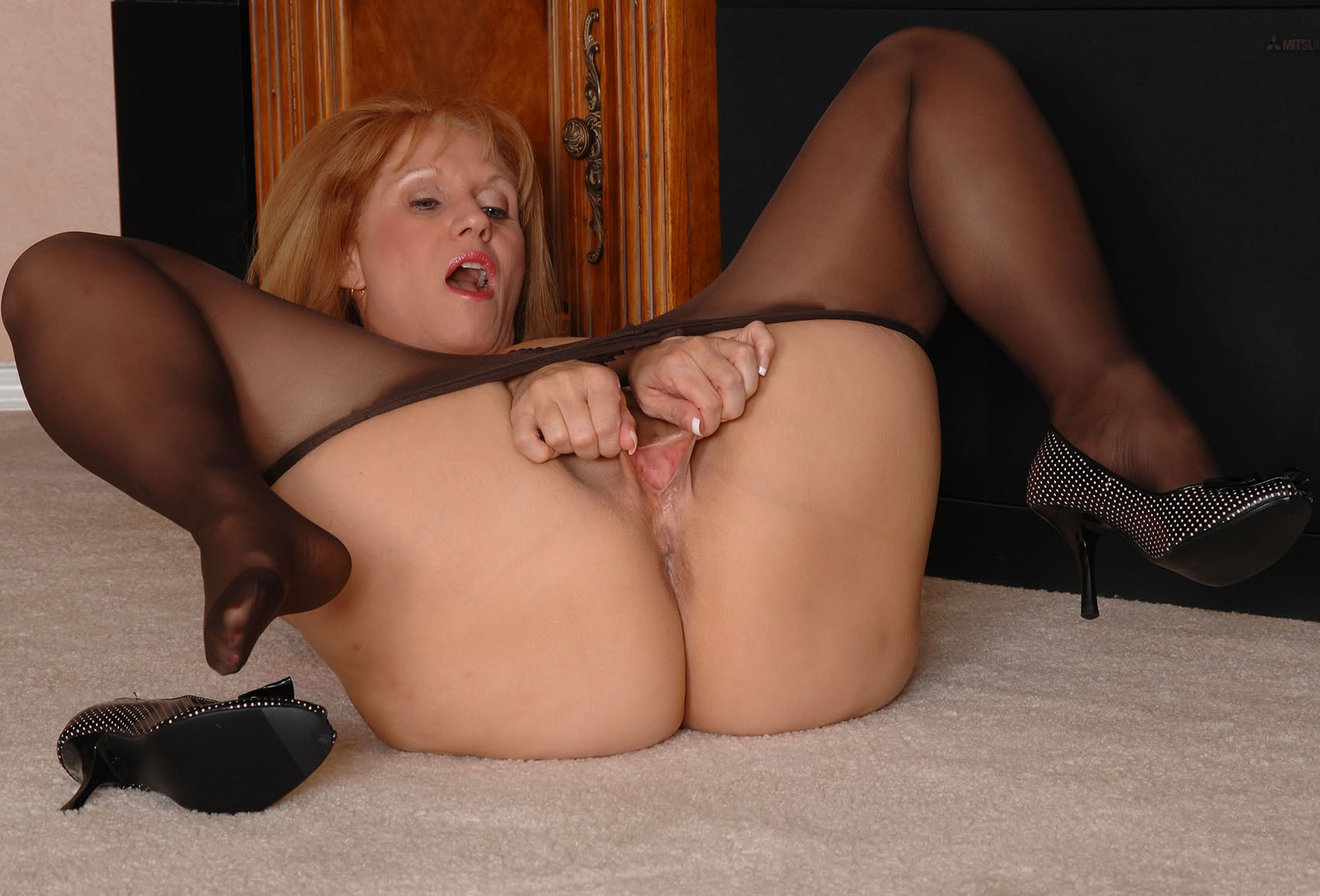 Galleries pantyhose porn photo