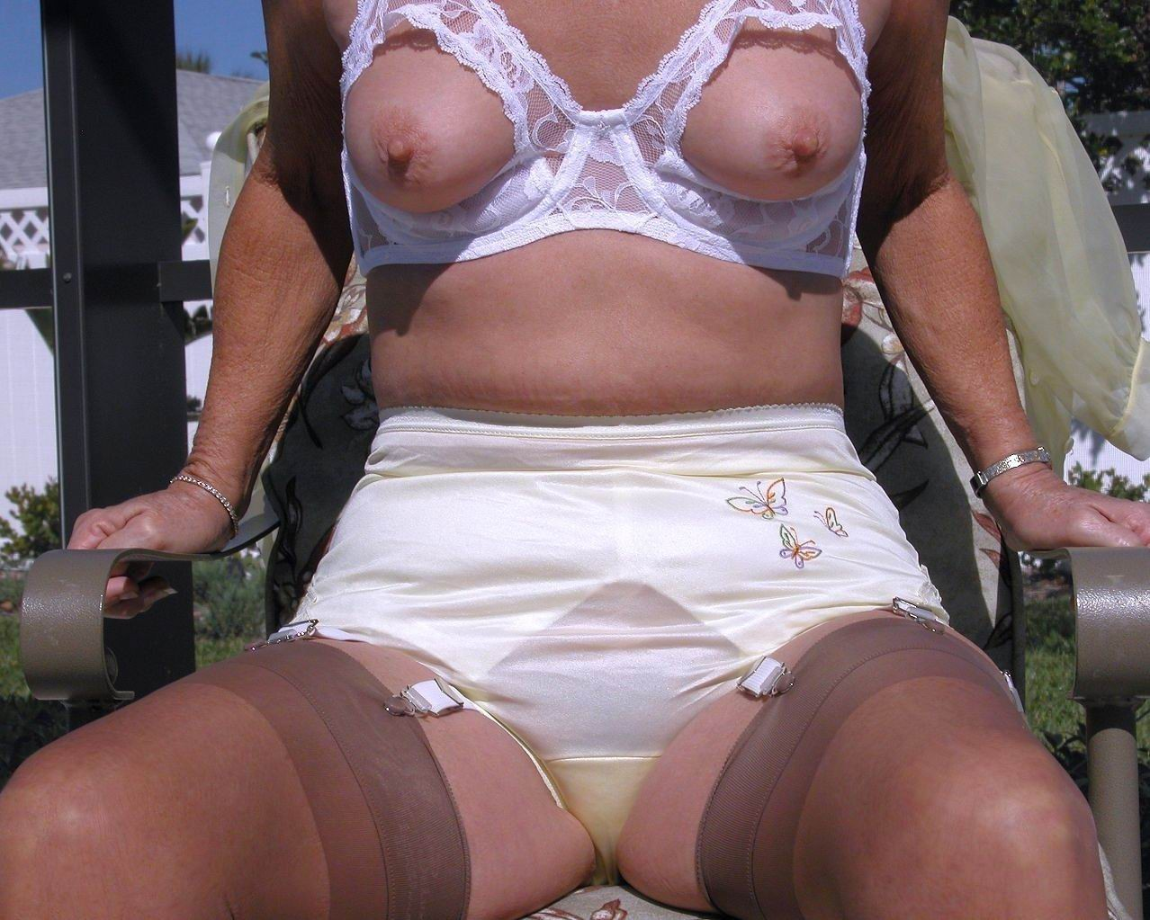Amateur nude family party