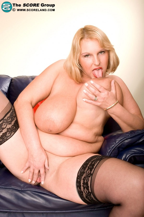 fat chicks passed out nude