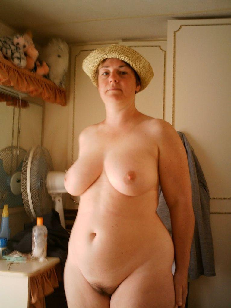 Latina nude porn pics
