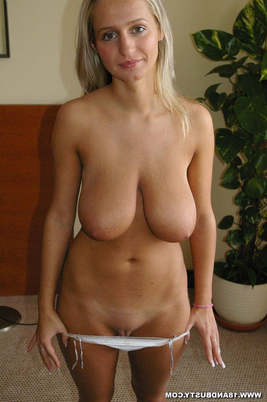 mature natural tit porn - pics and galleries