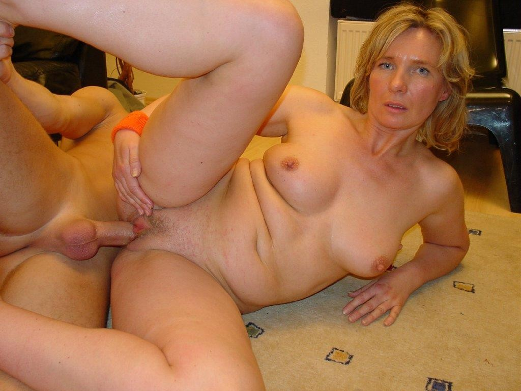 Amateur Mature Couple Swap