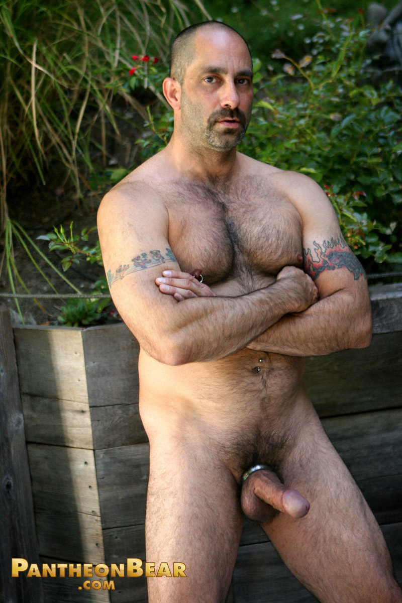 Naked muscle hairy men
