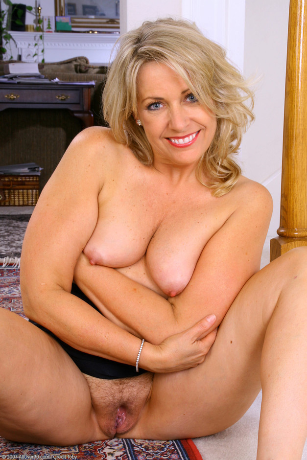 Milf mature adult glamour model hire correctly