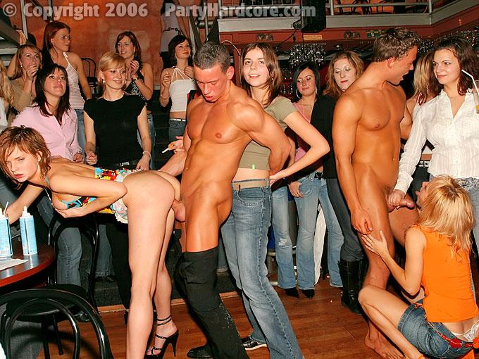 Порно Вечеринка В Питерском Клубе