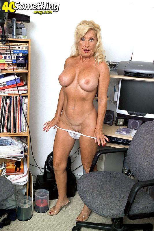 Watch Paris Hilton Sex Tape Online