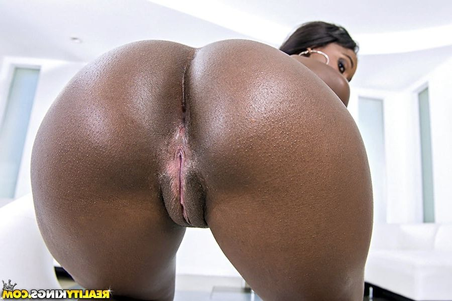 ass big black round