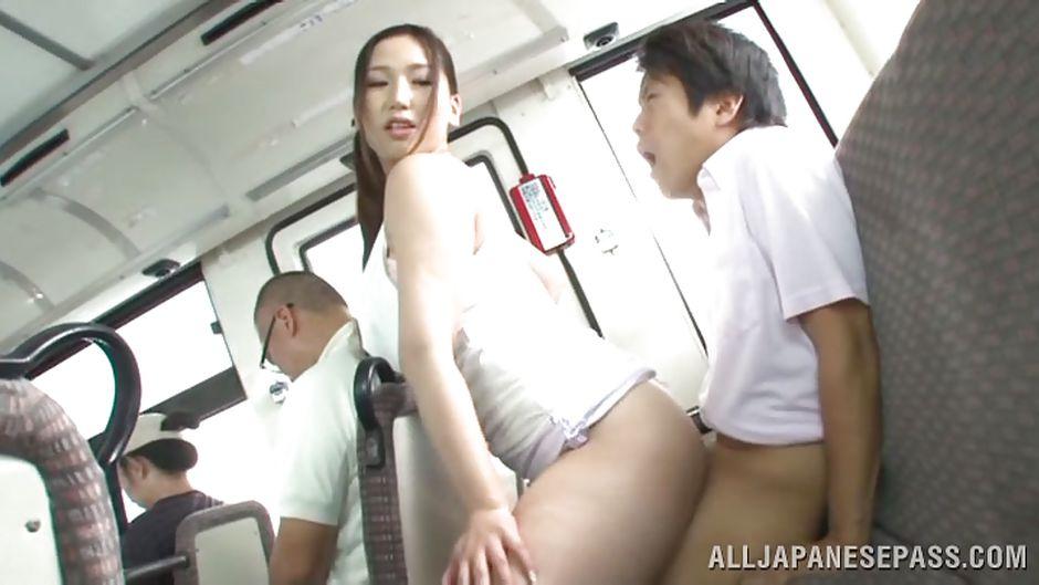 Автобус порно японка на