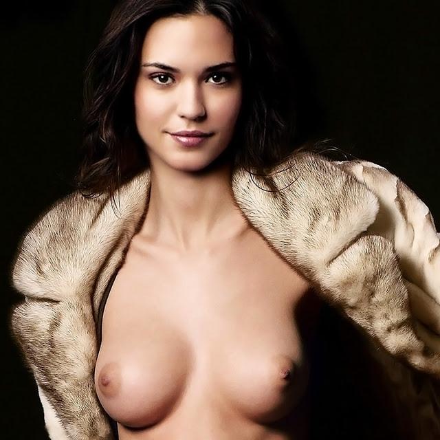 Sexy yvonne strahovski nude