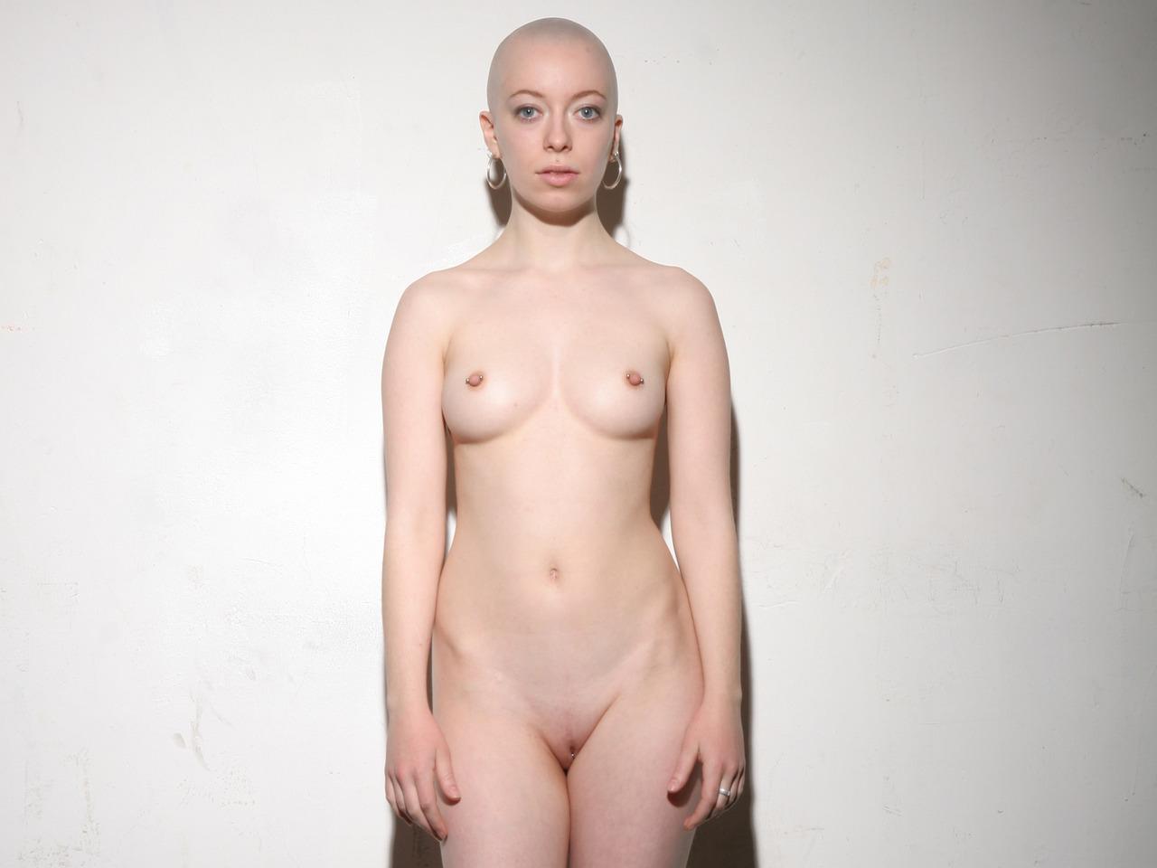 bald women naked pics