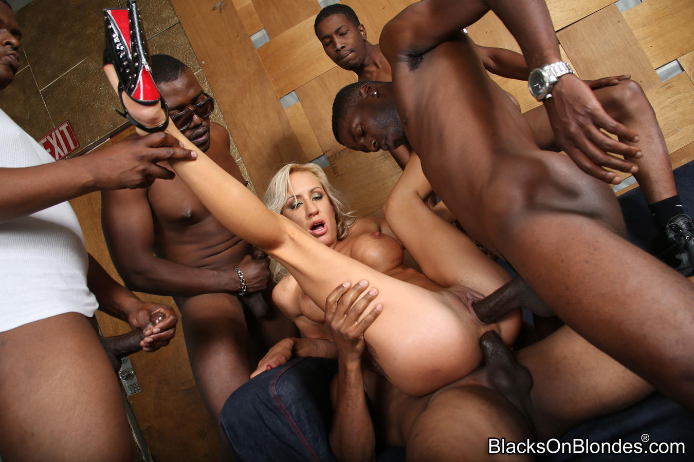 Wife Fucks Big Black Cock