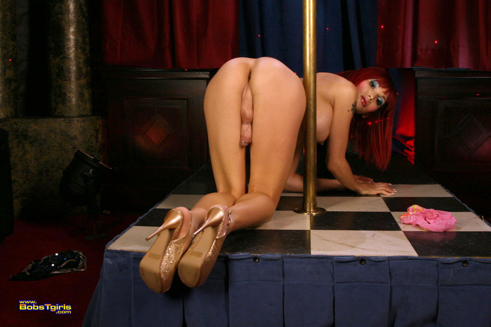 Nude pole dancing