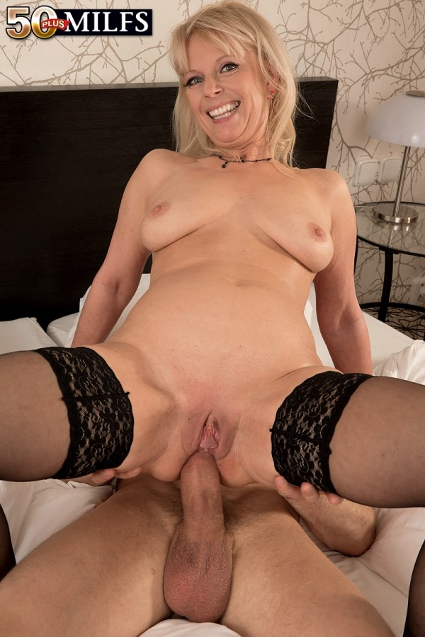 Milf older porn Mature Milf Fucking Sex Pictures Pass