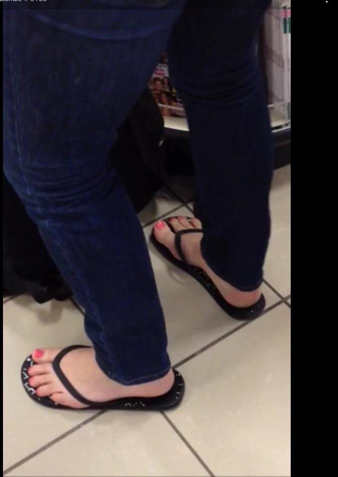 Candid Teen Feet Flip Flops
