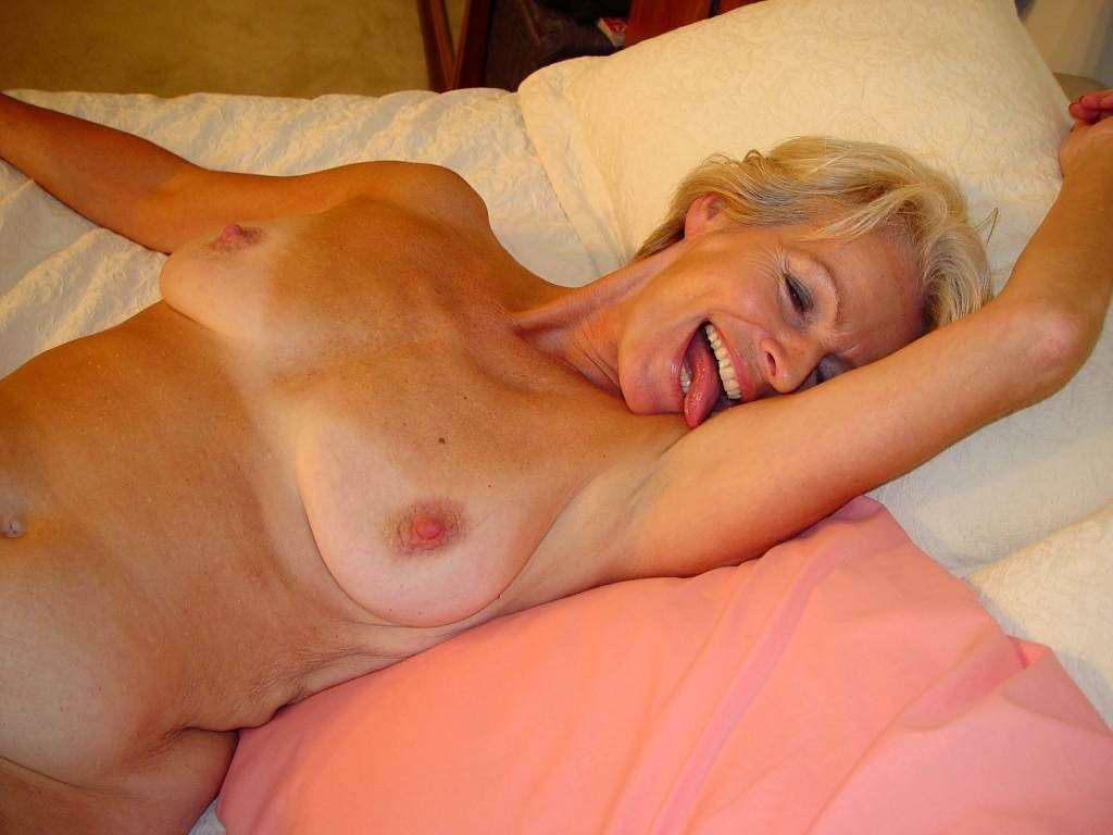 Jennifer tilly as tiffany nude