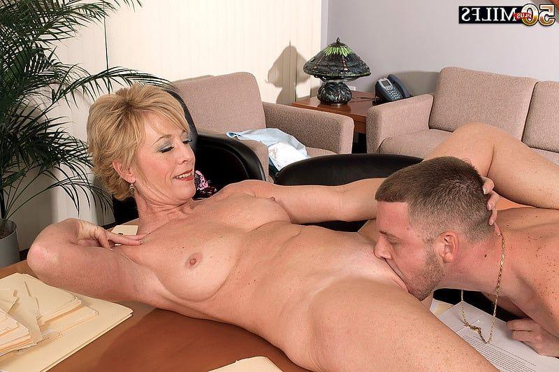 Cloris leach man sex