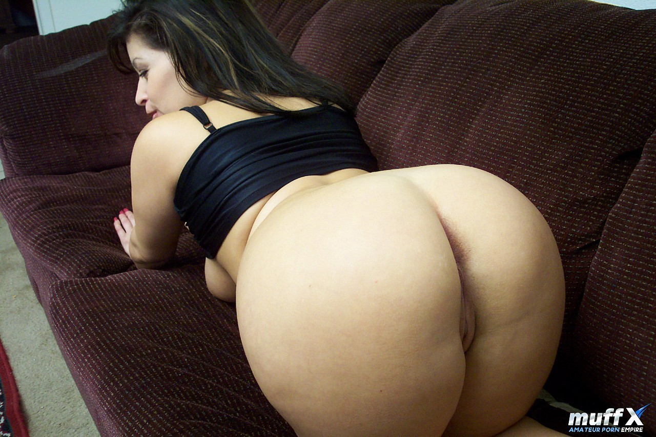 Amateur Latina Takes Big Dick