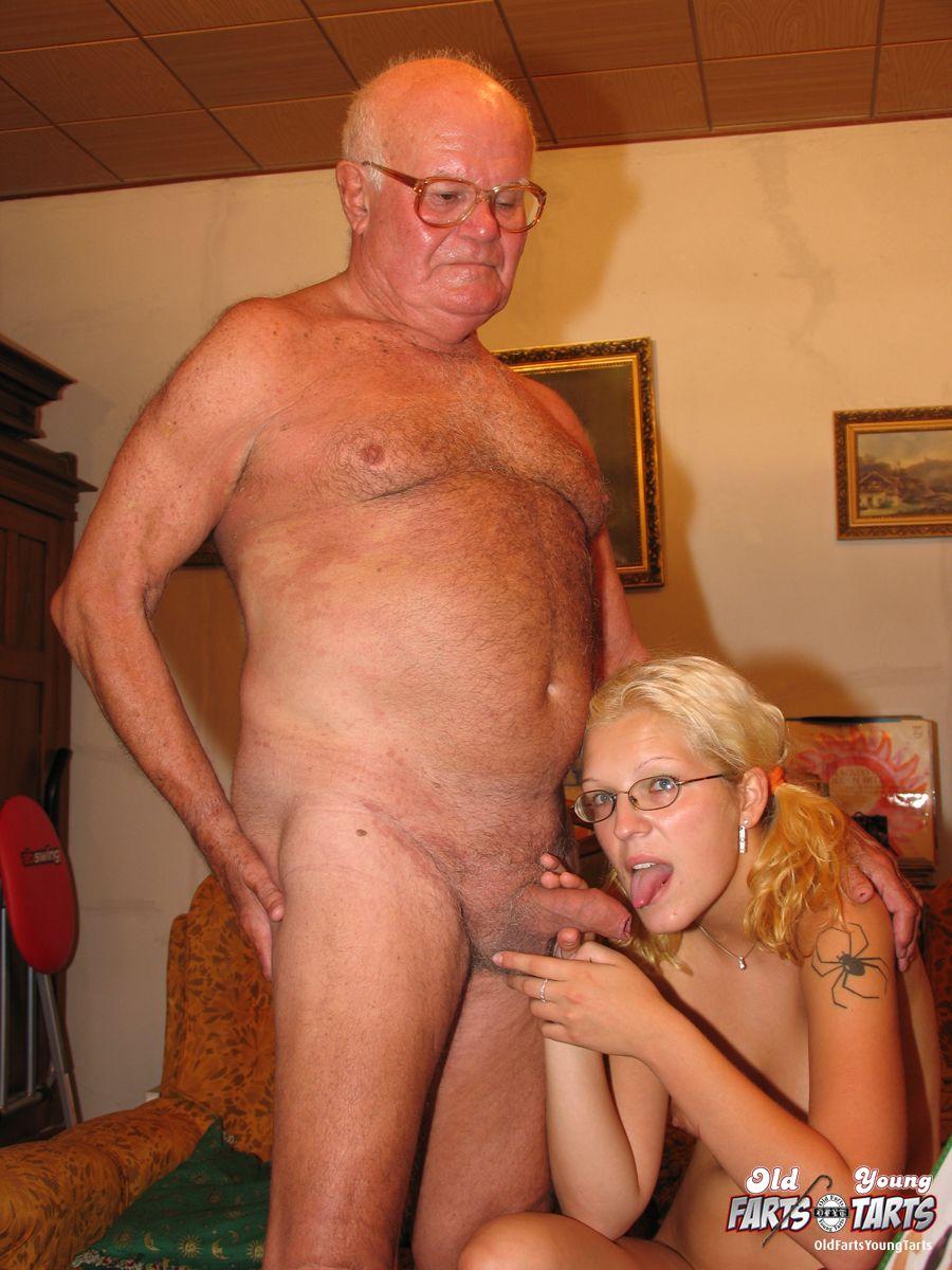 Blonde milf suck huge cock