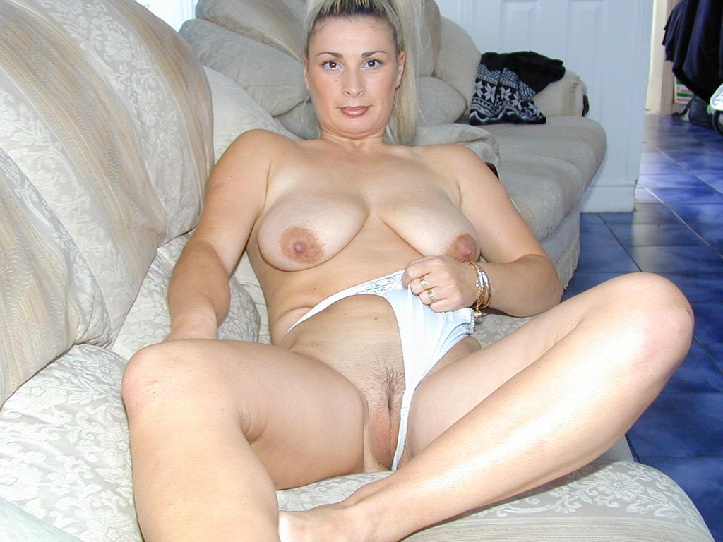 older uk nude wives