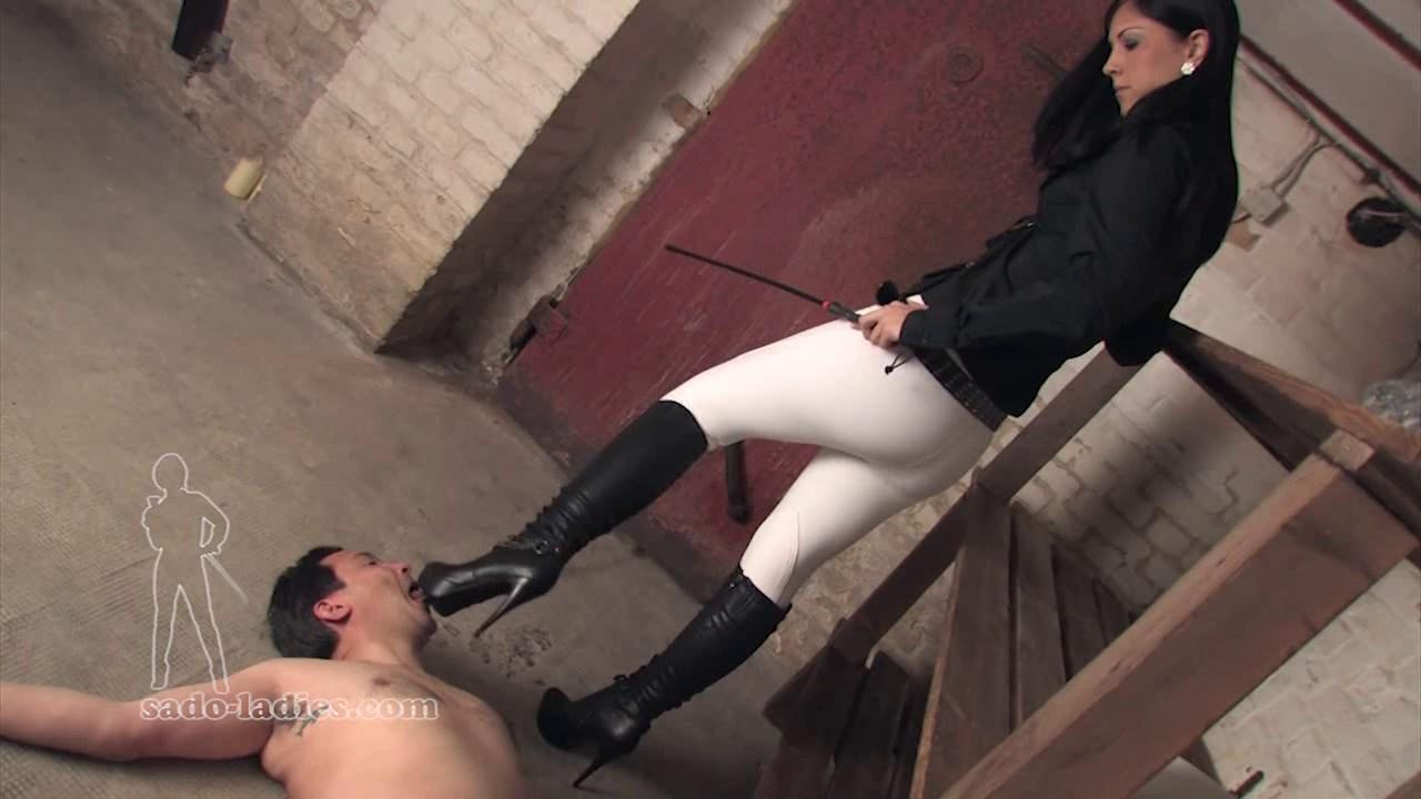 Hard pounding vaginal sex