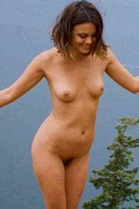 Nathalie Kelley Desnuda