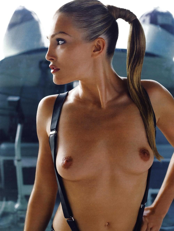 Jade Lewis  nackt